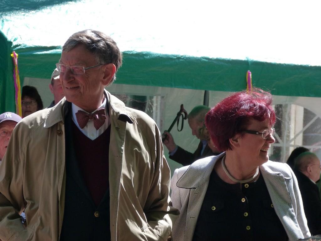 Dr. Heinz Riesenhuber zusammen mit seiner Ehefrau auf dem 32. Unterliederbacher Bürgerfest 2013